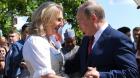 Şefa diplomaţiei austriece ar vrea să mai valseze o dată cu Putin