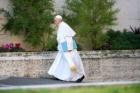 Afaceri pe seama vizitei Papei Francisc. Cât cer proprietarii din Blaj pentru închirierea apartament