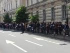 Arad: Aplaudacii PNL plătiți din bani publici, scoși în stradă s-o înjure pe Viorica Dăncilă