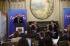 Avertismentul ambasadorului SUA: Capacitatea oligarhilor cu legături politice şi a baronilor de a controla interesele de afaceri trebuie să ia sfârșit