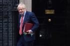 Boris Johnson îl sfidează pe Donald Trump şi bate palma cu chinezii de la Huawei