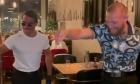 Cât a plătit Conor McGregor pentru o friptură cu aur de 24 de carate în restaurantul lui Salt Bae