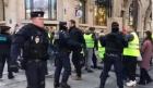 """Emmanuel Macron are în vedere un referendum pentru a ieși din criza """"vestelor galbene"""""""