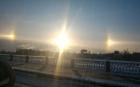 Fenomen natural extrem de rar, observat în Sankt Petersburg. Pe cer au răsărit trei sori