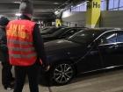 Inspectorii antifraudă au identificat mai multe rețele frauduloase de samsari de autoturisme de lux. Firmele erau înregistrate pe numele unor persoane sărace