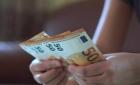 """Jobul potrivit la ministrul iscusit! Săracii bugetari bogaţi din manualul: """"Cum să câştigi bine din voluntariat"""""""