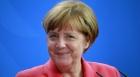 "Merkel il sustine pe Macron: ""Va fi un presedinte puternic"""