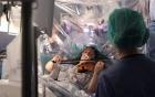 O pacienta a fost trezita in timpul operatiei pe creier pentru a canta la vioară