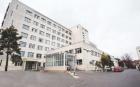 Pacient găsit mort în curtea unui spital din Iaşi. Poliţia a deschis un dosar de moarte suspectă