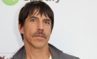 Solistul  de la Red Hot Chili Peppers, de urgenta la spital