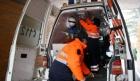 Sotia unui preot din Bacau s-a aruncat din ambulanta care o ducea la spital
