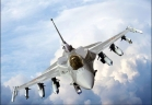 Un avion de luptă F16, prăbușit peste o clădire. Victime la sol!