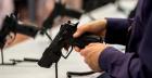 Un bărbat a fost împușcat în picior la fabrica de arme din Cugir