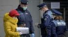 Un polițist și-a dat demisia pentru a nu fi forțat să dea amenzi oamenilor care nu poartă mască
