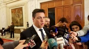 """Şerban Nicolae: """"O victorie a homosexualilor. De ieri, dispoziţiile Codului Civil ce definesc căsătoria între bărbat şi femeie sunt susceptibile de neconstituţionalitate"""""""