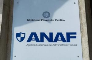 ANAF pune la dispoziţia contribuabililor calculatoare în sistem self-service