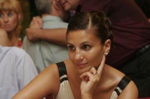 Anca Alexandrescu, care se ocupa de comunicarea lui Dragnea, numita consilier onorific al premierului Dancila