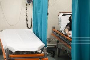 Anchetă DSP după ce familia unui bărbat a reclamat că acesta a murit purtat de la un spital la altul