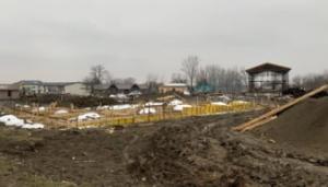 Angajati de la Apele Romane au muncit la ferma familiei lui Costel Alexe, conform marturiilor din presa locala