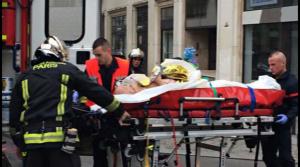 Atentat cu o mașină în mulțime la Paris