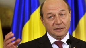 Băsescu, atac la Toader: Să mergi la CCR, o glumă pentru studenți în anul I la Drept