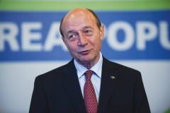 Băsescu: Dacă eram preşedinte, îl făceam pe Dragnea afiş