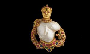 Bijuterii în valoare de câteva zeci de mii de euro, furate dintr-o expoziţie deschisă la Palatul Dogilor