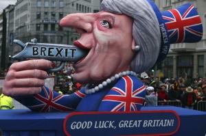 """BREXIT: Clarificările pe care Bruxelles-ul vrea să le primească de urgenţă. """"Altfel, barierele sunt inevitabile"""