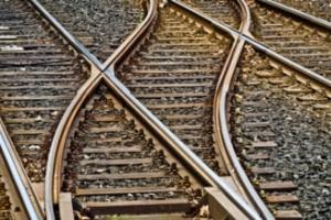 Cadavrul sectionat al unui barbat a fost gasit intre liniile de tren din Arad