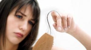 Caderea parului: Mituri si greseli care te lasa fara par