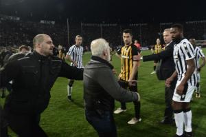 Campionatul Greciei a fost suspendat pe termen nelimitat! Guvernul a intervenit după incidentele din meciul lui PAOK