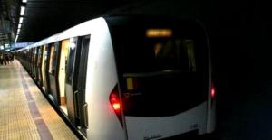 Circulație întreruptă la metrou, pe magistrala Berceni-Pipera. O femeie a căzut pe șine, în stația Aurel Vlaicu