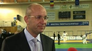 Cozmin Guşă: