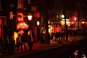 Criza provocată de Covid 19 a afectat până şi Cartierul Roşu din Amsterdam