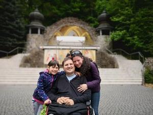 Cum este să trăiești în România cu boala lui Stephen Hawking