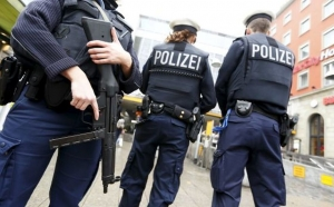 Doisprezece germani arestaţi într-o anchetă cu privire la planuri de atentate ale extremei drepte vizând
