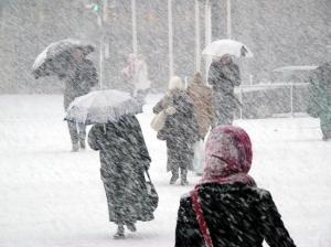 E de rău! Prognoza METEO pentru 20, 21 și 22 aprilie. Cod portocaliu de ninsori abundente