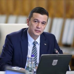 Grindeanu a angajat la ANCOM doua consiliere fara experienta, fosta miss Buzau si fiica lui Paul Stanescu