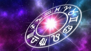 Horoscop, luni, 16 aprilie 2018. Varsatorii iau decizii spontane, pe baza unor informatii noi
