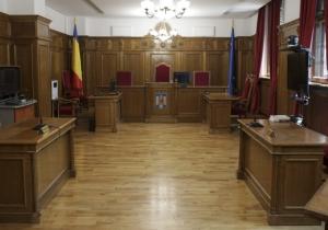 Judecătoarea care l-a eliberat din arest pe violatorul unei fete se întoarce în funcție, prin decizia Înaltei Curţi