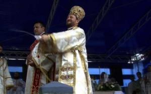 Justiţia română a băgat la sertar probele video ale abuzurilor sexuale comise de fostul episcop Corneliu Bârlădeanu asupra elevilor