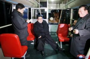 Kim Jong-un, la plimbare noaptea cu troleibuzul prin Phenian