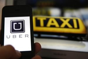 Mâine se schimbă legea taximetriei. Dispar Uber şi Taxify? Ce riscă şoferii care ies pe traseu după intrarea legii în vigoare