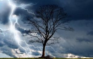 METEO. Vremea se schimbă radical: ploi violente, vijelii, grindină