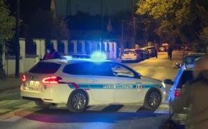 Momentul cand tânărul din Paris care a decapitat un profesor este încolţit şi împuşcat de poliţiştii francezi