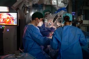 O studentă de 19 ani si-a revenit din comă profundă după ce a fost operată de urgență pe creier de o tumoră foarte rară