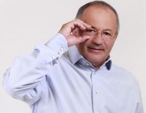 Onorabilul Klaus Iohannis