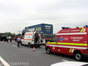 Patru angajați CNAIR, anchetați după ce ar fi furat un telefon și 250 de lei de la două victime decedate într-un accident rutier