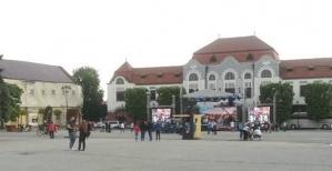 Pe ce mai cheltuie Gabriela Firea banii: 20 de spectatori la un concert finantat de Primaria Bucuresti in Baia Mare
