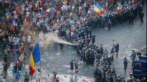 Percheziţii la domiciliul persoanelor care ar fi agresat jandarmi la mitingul din 10 august